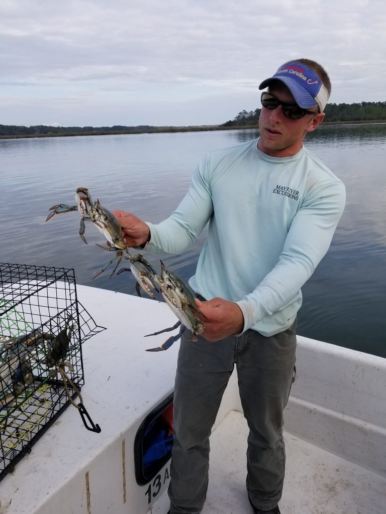 Crabbing, Things to Do in Georgia, Catching Crabs with river guide in Georgia. Blue Crabs for dinner. New experiences while traveling full time.